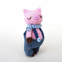 Задавака #weamiguru #вязание #крючок #рукоделие #игрушкикрючком #игрушка #свинка #amigurumi #crochet #toys_gallery #toy #идея by pavlova.o