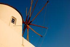 Oia, Greece by Olga Larkina Photography www.olgalarkina.com Oia Greece, Santorini, Wind Turbine, Photography, Photograph, Fotografie, Photoshoot, Santorini Caldera, Fotografia