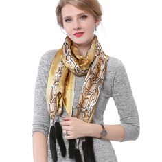 f7277244cc4 Pashmina Shawl, Fall Scarves, Mink Fur, Muslim Fashion, Cape, Printed Silk,  Fur Trim, Scarf Styles, Autumn