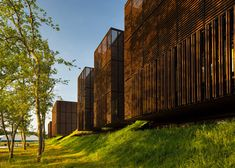 Mont-de-Marsan education centre is made up of wooden boxes