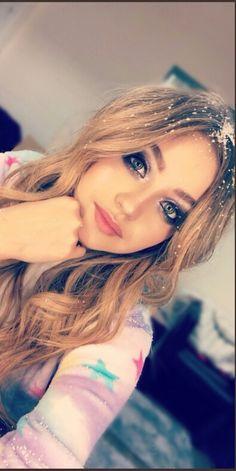 Karol Sevilla Disney Channel, New Teen Fashion, Womens Fashion, Sou Luna Disney, Cimorelli, Son Luna, Famous Women, Seville, Favorite Tv Shows