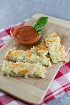 "Cauliflower Garlic Cheese ""Bread"" Sticks 