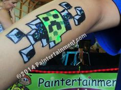 Nice, I like it! Face Painting Unicorn, Face Painting For Boys, Body Painting, Rock Painting Designs, Paint Designs, Painting Minecraft, Comic Face, Cheek Art, Famous Cartoons