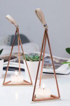 DIY Teelichthalter basteln: Auf dem Blog findest du das Video Tutorial, in dem ich dir zeige, wie du dieses herbstliche Teelicht im Himmeli Design aus Kupfer und Leder selber machen kannst | Auch toll als DIY Geschenk für Weihnachten!