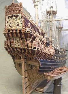 scale model of the century Swedish warship Vasa from scratch Model Sailing Ships, Old Sailing Ships, Model Ship Building, Boat Building, Scale Model Ships, Scale Models, Wooden Ship, Ship Art, Boat Plans