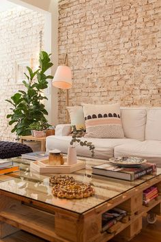 Urban Industrial Decor Tips From The Pros Have you been thinking about making changes to your home? Are you looking at hiring an interior designer to help you? Rather than hiring an expensive person to come in and offer to help, read Decor, Brick Interior Wall, Romantic Home Decor, Decorating Coffee Tables, Living Decor, House Interior, Coffee Table, Traditional Decor, Home Deco