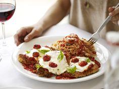 capellini pomodoro, fresh mozzarella Capellini, Fresh Mozzarella, Macaroni, Mashed Potatoes, Grilling, Menu, Chicken, Ethnic Recipes, Drinks