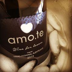 Vinhos amo.te • Wine for Lovers •  Store OnLine www.amote.pt •  Message in a Bottle Collection •  Escreva a sua mensagem num dos produtos amo.te.