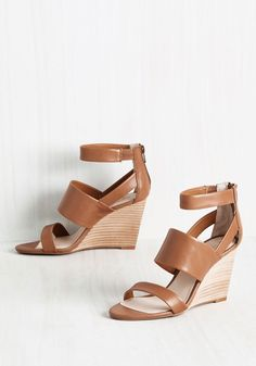 Suave Wedge. To highlight your sophistication in your most dashing looks, you rely on these Seychelles wedges. #brown #modcloth