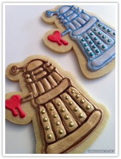"""#DoctorWho Food Valentine's Day Dalek Sugar Cookies --- """"Infatuate! Infatuate!"""" So adorable. Love that they're shooting hearts!"""
