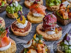 Canapes for Christmas parties Salmon Toppings, Fingers Food, Charcuterie Plate, Beef Cheeks, Tapas Restaurant, Pastry Shells, Pho, Food Reviews, Salmon Burgers
