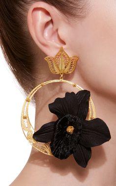 Gold heart stud earrings - valentine's day gift/ valentine's jewelry/ heart jewelry/ small gold studs/ gold heart/ simple/ heart of gold - Fine Jewelry Ideas Ear Jewelry, Bridal Jewelry, Jewelry Art, Jewelry Accessories, Jewelry Design, Jewellery, Big Earrings, Black Earrings, Fashion Earrings