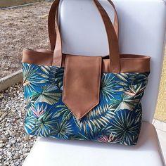 Camille Mathias sur Instagram: Un Madison en jacquard végétal et simili cuir, pour le plaisir. ✂️👜🍃 Once again, a Sacôtin handbag. . #sacotinmadison #sacotin #sac…