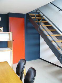 Firminy    le salon de l'unité d'habitation Le Corbusier, Shelf Furniture, Home Furniture, Pantone, Colour Architecture, Interior Stairs, Interior Decorating, Interior Design, Mid Century Modern Furniture