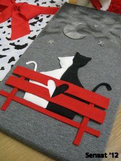 Просто чувствовал.  Вы могли бы другие формы, такие как собаки на скамейке, не должны быть кошки:
