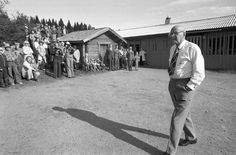 Kekkonen Lepikon torpan pihassa. History Of Finland, Presidents, Times, Historia