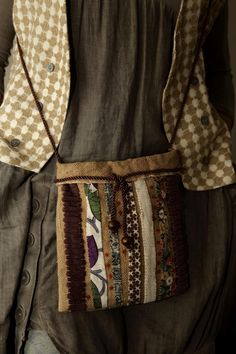 Бохо стиль — Тряпошное царство Светланы Гузенко. | OK.RU Medicine Bag, Handmade Purses, Cute Bags, Boho, Refashion, Handicraft, Purses And Bags, Sewing Projects, Crossbody Bag