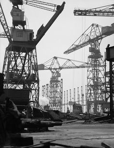 Cranes, Cammell Laird Shipyards,Birkenhead - Photographer E. Hoppé the undisputed leader of pictorial portraiture in Europe, 1928 Monochrome Photography, Black And White Photography, Liverpool Docks, Merchant Marine, Quelques Photos, Industrial Photography, Industrial Revolution, Built Environment, Urban Landscape