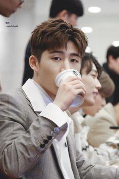 Ikon Leader, Kim Hanbin Ikon, Yg Artist, Jay Song, Ikon Debut, Kim Dong, K Idol, Yg Entertainment, Kpop Boy