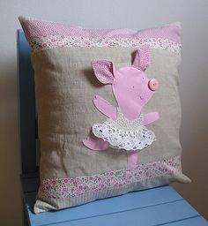 Balerina Anyuschka Piglovska - linen cushion cover | Flickr: Intercambio de fotos
