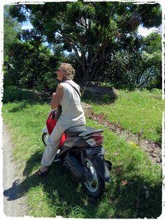 SUMATRA, en scooter  Site - http://indonesie.eklablog.com Page Facebook - https://www.facebook.com/pages/Indon%C3%A9sie-par-Isabelle-Escapade/269389553212236?ref=hl