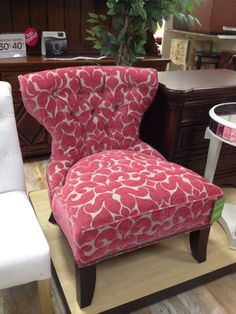 I love all things pink - especially furniture! This is another Home Goods Store find.