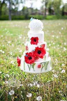 New wedding cakes spring flowers beautiful 23 Ideas Wedding Cake Red, Cool Wedding Cakes, Beautiful Wedding Cakes, Gorgeous Cakes, Pretty Cakes, Cute Cakes, Wedding Desserts, Gold Wedding, Amazing Cakes