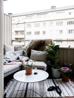 // boho balcony with carpets