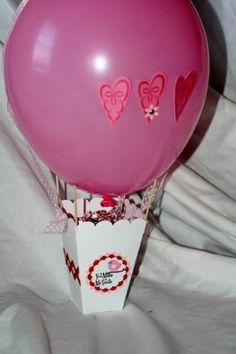 Hot Air Balloon Center Piece || You can use a plain balloon, but these also work really well with paper mache.