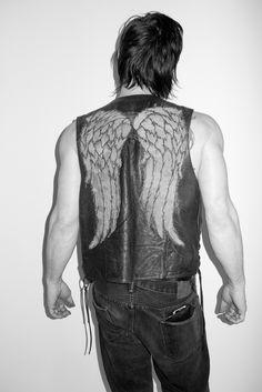 The walking dead - Daryl Dixon/Norman Reedus - Angel Daryl Dixon, Norman Reedus, Zombies, Terry Richardson Photos, Rick Y, Look Man, Fear The Walking Dead, Raining Men, Look Cool