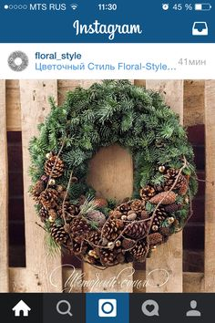 Discover thousands of images about Denappels Mehr Woodland Christmas, Christmas Flowers, Outdoor Christmas, Rustic Christmas, Christmas Art, Christmas Wreaths, Christmas Ornaments, Deco Nature, Christmas Arrangements