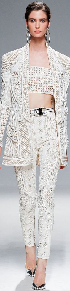 READY-TO-WEAR BALMAIN SPRING-SUMMER 2013
