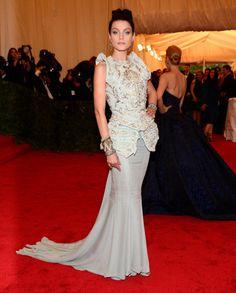Jessica Stam con un vestido de Christian Dior