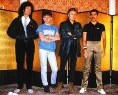 Queen in Japan, Photo by Koh Hasebe John Deacon, Queen Photos, Queen Pictures, Rare Pictures, Queen Ii, I Am A Queen, Brian May, Adam Lambert, Roger Taylor Queen