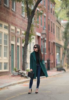 Extra Petite : Green Boucle Coat Styled 2 Ways Outfit Jeans, Super Petite, Extra Petite, Stylish Winter Outfits, Winter Outfits Women, Stylish Winter Coats, Formal Winter Outfits, Casual Winter, Vestidos
