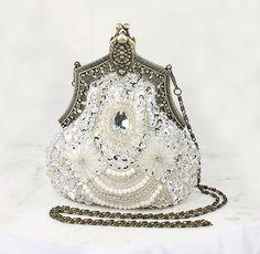 Womens Purses : Art Deco Bridal Clutch Old Hollywood Evening Bag Handbag Purse Gatsby Wedding accessories art deco Women's Purses : Art Deco Bridal Clutch, Old Hollywood Evening Bag, Handbag Purse Gatsby Wedding Vintage Purses, Vintage Bags, Vintage Handbags, Handmade Handbags, Vintage Bridal, Beaded Purses, Beaded Bags, Kelly Bag, Vintage Outfits