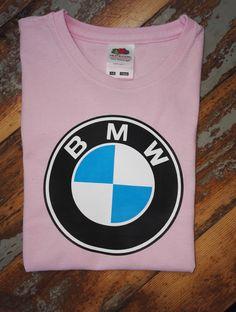 Pienen tytön BMW-paita. Upean vaaleanpunaisena.