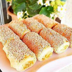 Citir citir bir börek hemde bol Susamlı ister simit niyetine ye ister