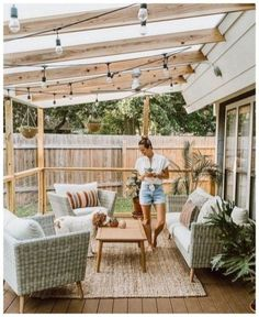 Covered Patio Ideas - Summer is almost upon us and are you thinking about having a covered patio for your home. Now you are convinced that a covered patio. Small Patio Design, Backyard Patio Designs, Modern Backyard, Pergola Designs, Pergola Patio, Backyard Landscaping, Landscaping Ideas, Pergola Ideas, Iron Pergola