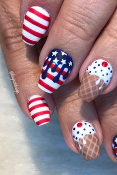 Design of perfect nails for the of July 4th Of July Makeup, 4th Of July Nails, Fourth Of July Cakes, 4th Of July Party, July 4th Nails Designs, Henna Designs, Nail Art Designs, Acrylic Nails, Gel Nails