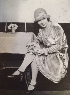 Before skirts climbed to the knee, a lady could keep a flask in her garter during prohibition, 1920s (From This Fabulous Century—1920-1930. Tumblr