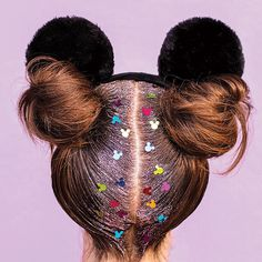 3 Absolutely Stunning Hairstyles to Wear With Your Minnie and Mickey Ears - boyfriendsgoal Disney Day, Cute Disney, Disney Style, Disney Parks, Disney Cruise, Disney Trips, Walt Disney, Disneyland Outfits, Disney Outfits