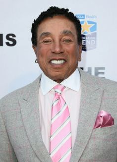 Michael Jackson Remembered: The Tributes Pictures - Smokey Robinson Music Icon, Soul Music, True Roots, Otis Redding, Smokey Robinson, Soul Jazz, Old School Music, Men's Apparel, Motown