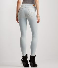 Seriously Stretchy Light Wash High-Waisted Jegging -