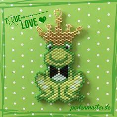Kiss the frog... from @coeur_citron #motifcoeur_citroen #beadwork #handmade #perlenmuster #miyuki #peyote#rhonnadesigns