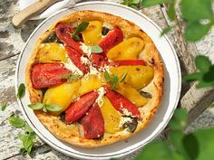 Gestürzte Paprikatorte Vegetable Pizza, Vegetables, Tv, Food, Red Bell Peppers, Puff Pastry Recipes, Mint, Pies, Eten