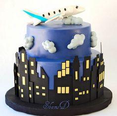 Skyline and airplane cake Airplane Birthday Cakes, Themed Birthday Cakes, Cupcakes, Cupcake Cakes, New York Kuchen, New York Cake, Planes Cake, Bike Cakes, Superhero Cake