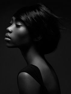 Black is beautiful Afro, Dark Skin Girls, Dark Skin Beauty, Flawless Beauty, My Black Is Beautiful, Beautiful People, We Are The World, African American Hairstyles, Black And White Portraits
