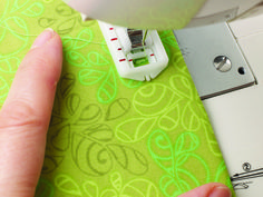 The Very Easy Guide to using Your Sewing Machine by Wendy Gardiner #sewing #buttonhole