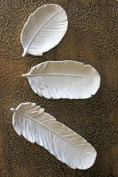 Set of 3 White Ceramic Feather Dishes - Gift Guide